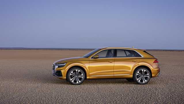 Side  of Audi Q8 2019