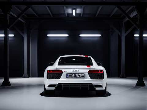 Back of Audi R8 V10 RWS 5.2 V10 FSI S Tronic, 540hp, 2018