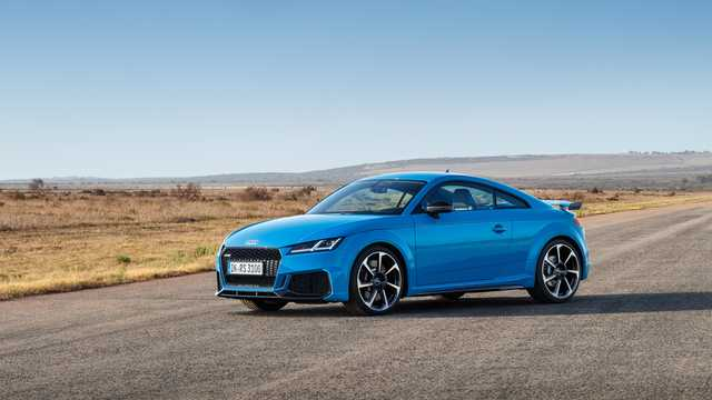 Front/Side  of Audi TT RS Coupé TFSI  S Tronic, 400hp, 2019