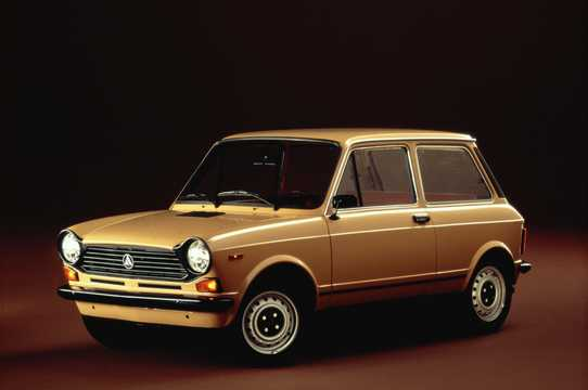 Front/Side  of Autobianchi A112 0.9 Manual, 42hp, 1977