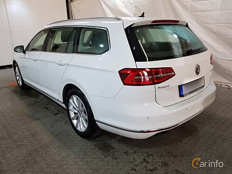 Bak/Sida av Volkswagen Passat Variant 2.0 TDI SCR BlueMotion Manual, 190ps, 2015