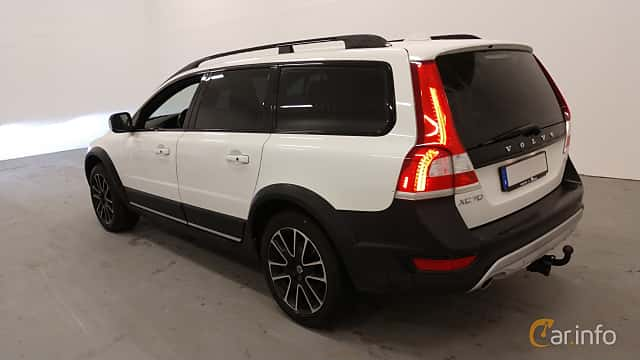 Back/Side of Volvo XC70 D4 AWD Geartronic, 181ps, 2016