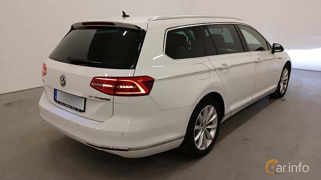 Back/Side of Volkswagen Passat Variant 2.0 TDI SCR BlueMotion 4Motion DSG Sequential, 190ps, 2015