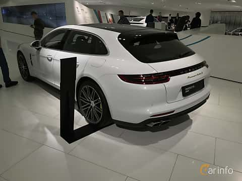 Bak/Sida av Porsche Panamera Turbo S E-Hybrid Sport Turismo 4.0 V8 4 + 14.1 kWh PDK, 680ps, 2019
