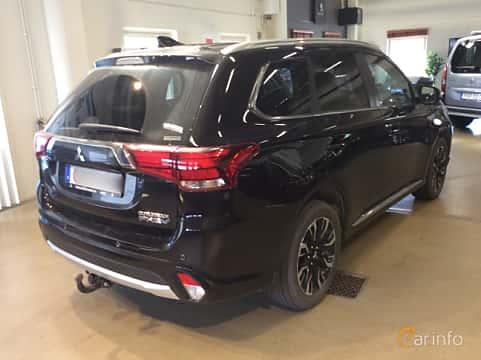 Back/Side of Mitsubishi Outlander P-HEV 2.0 Hybrid 4WD CVT, 203ps, 2017