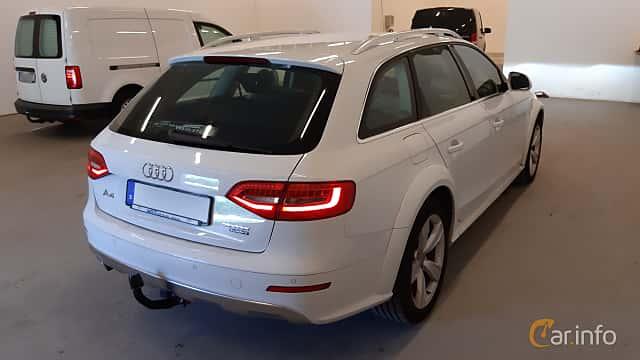 Bak/Sida av Audi A4 allroad quattro 2.0 TDI DPF quattro Manual, 150ps, 2016