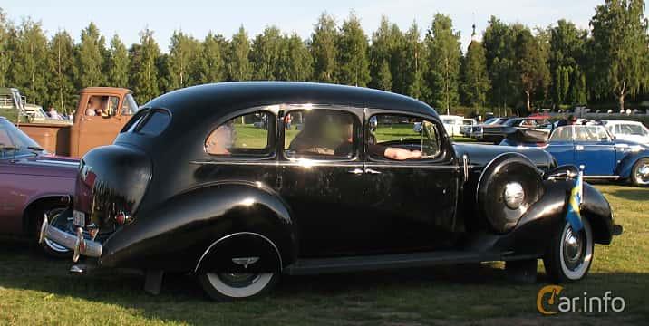 Back/Side of Hudson Custom Eight Touring Sedan 4.2 Manual, 123ps, 1937