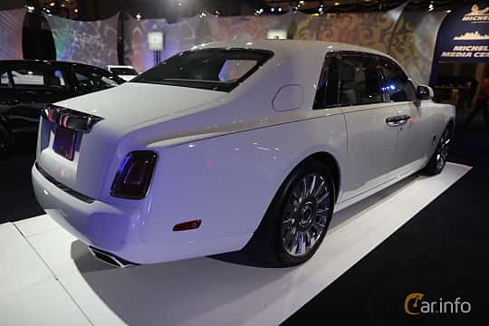 Bak/Sida av Rolls-Royce Phantom 6.7 V12 Automatic, 571ps, 2018 på North American International Auto Show 2018