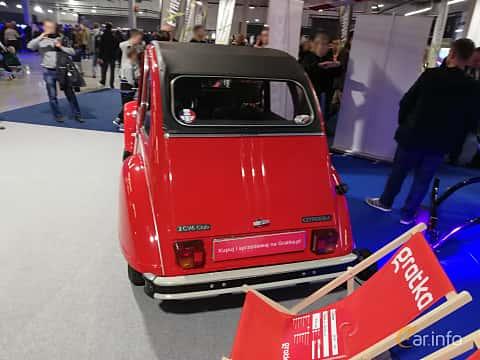 Back of Citroën 2CV 0.6 Manual, 29ps, 1985 at Warsawa Motorshow 2018