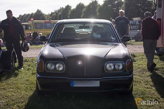 Fram av Bentley Arnage Green Label 4.4 V8 Automatic, 354ps, 1999 på Tisdagsträffarna Vikingatider v.26 / 2017