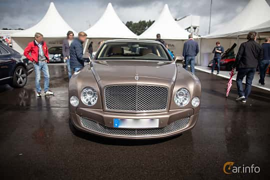 Front  of Bentley Mulsanne 6.75 V8  Automatic, 512ps, 2012 at Autoropa Racing day Knutstorp 2015