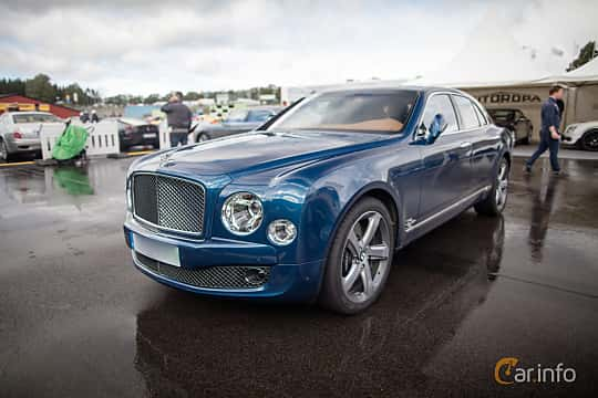 Front/Side  of Bentley Mulsanne 2016 at Autoropa Racing day Knutstorp 2015