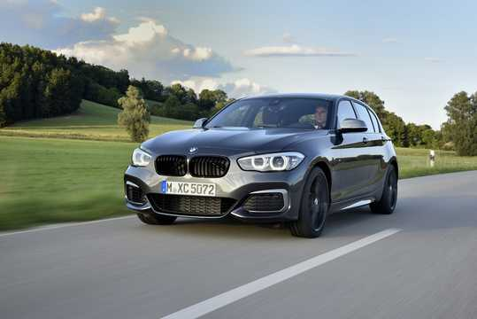 Front/Side  of BMW M140i xDrive 5-door  Steptronic, 340hp, 2018