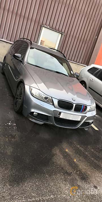 Front/Side  of BMW 3 Series Touring 2009