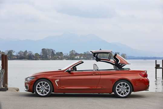 Side  of BMW 430i Convertible  Steptronic, 252hp, 2018