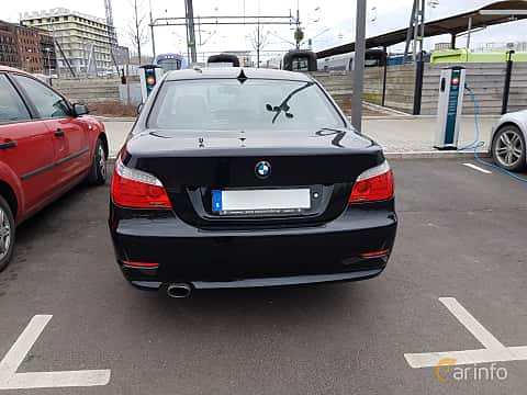 Back of BMW 520d Sedan 2.0 Automatic, 177ps, 2009