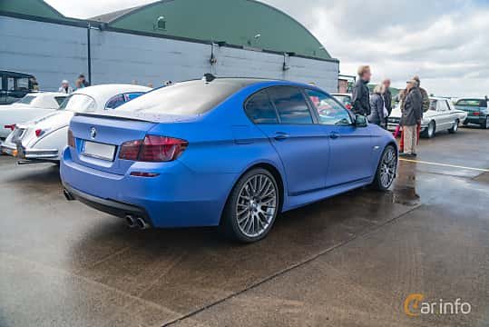 Back/Side of BMW 550i xDrive Sedan  Steptronic, 408ps, 2011 at Fly ´n´ Ride 2018