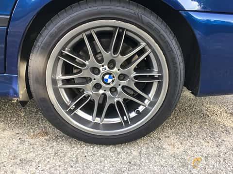 Close-up of BMW M5 Sedan 5.0 V8 Manual, 400ps, 2000 at Vallåkraträffen 2017