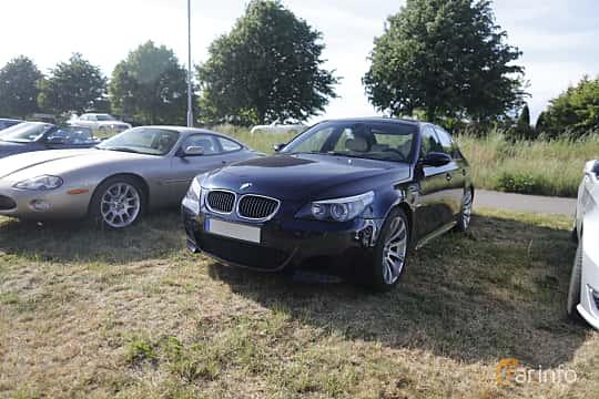Front/Side  of BMW M5 Sedan 5.0 V10 Automatic, 507ps, 2006 at Tisdagsträffarna Vikingatider v.21 / 2018