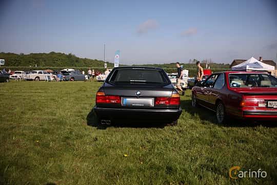 Bak av BMW 750iL 5.0 V12 Automatic, 300ps, 1989 på Tjolöholm Classic Motor 2018