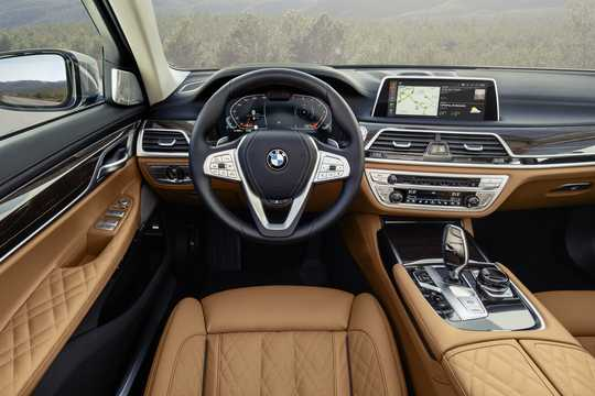 Interior of BMW 750Li xDrive  Steptronic, 530hp, 2020