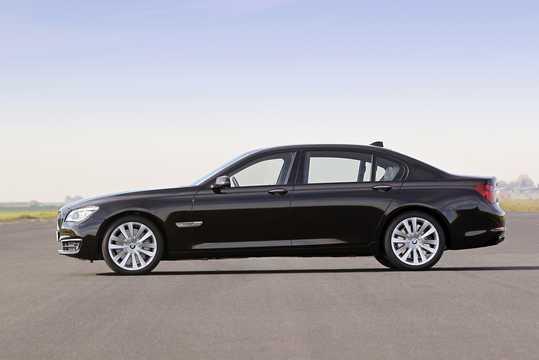 Side  of BMW 760Li  Steptronic, 544hp, 2012