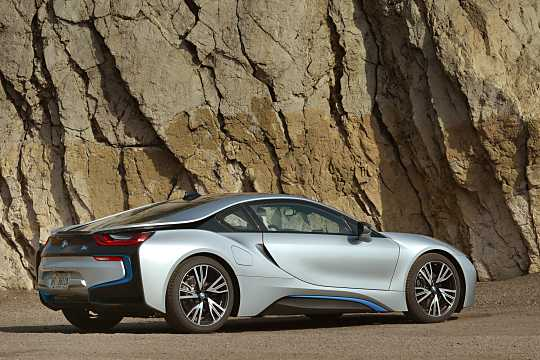 Back/Side of BMW i8 1.5 + 7.1 kWh Steptronic, 362hp, 2015