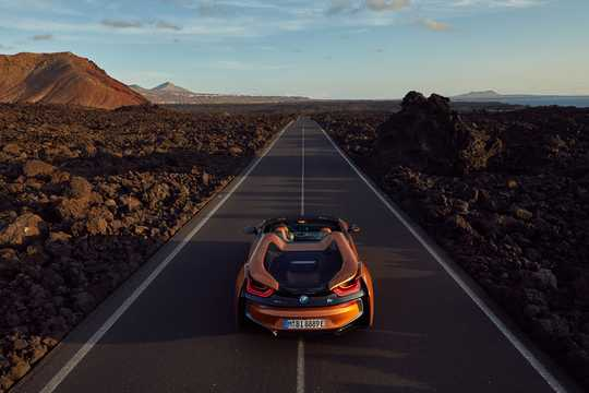 Back of BMW i8 Roadster 1.5 + 11.6 kWh Steptronic, 374hp, 2018