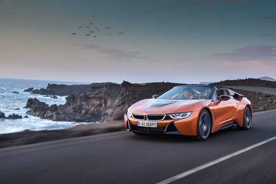 Front/Side  of BMW i8 Roadster 1.5 + 11.6 kWh Steptronic, 374hp, 2018