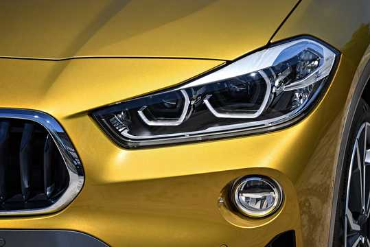 Close-up of BMW X2 xDrive20d  Steptronic, 190hp, 2018