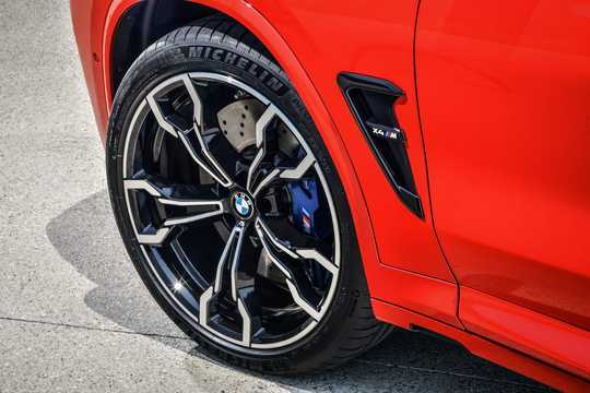 Close-up of BMW X4 M Competition  Steptronic, 510hp, 2019
