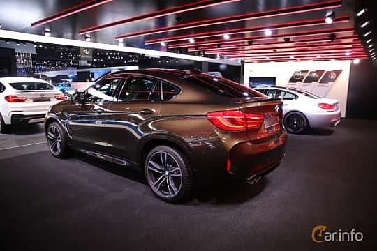 Bak/Sida av BMW X6 M 4.4 xDrive Steptronic, 575ps, 2017 på North American International Auto Show 2017