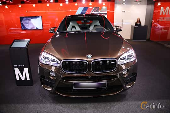 Fram av BMW X6 M 4.4 xDrive Steptronic, 575ps, 2017 på North American International Auto Show 2017