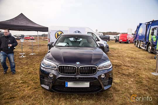 Front  of BMW X6 M  Steptronic, 575hp, 2015 at Skövde Sportbilsfestival 2016