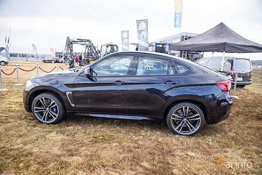 Side  of BMW X6 M  Steptronic, 575hp, 2015 at Skövde Sportbilsfestival 2016