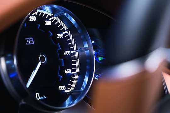 Interior of Bugatti Chiron 8.0 W16 DSG Sequential, 1521hp, 2016