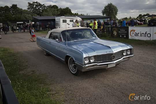 Front/Side  of Buick Electra Convertible 6.6 V8 Automatic, 330ps, 1964 at Tisdagsträffarna Vikingatider v.25 / 2017