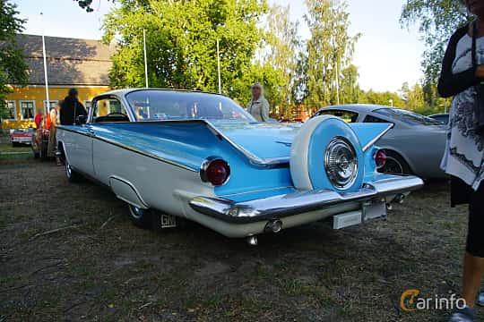 Back/Side of Buick Le Sabre 2-door Hardtop 6.0 V8 Automatic, 305ps, 1959 at Onsdagsträffar på Gammlia v.33 / 2018