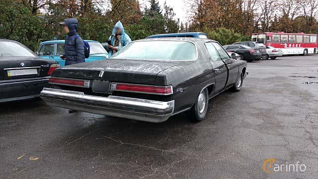 Back/Side of Buick LeSabre Hardtop Sedan 1974 at Old Car Land no.2 2018