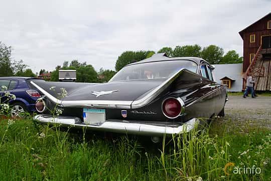 Back/Side of Buick LeSabre 4-door Sedan 6.0 V8 Automatic, 254ps, 1959 at Motorträff på Olofsfors Bruk 2019
