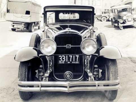 Front  of Buick Model 47 4-door Sedan 4.2 Manual, 82hp, 1930