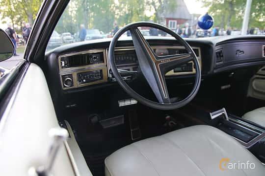 Interior of Buick Riviera 7.5 V8 Automatic, 259ps, 1971 at Onsdagsträffar på Gammlia v.33 / 2018