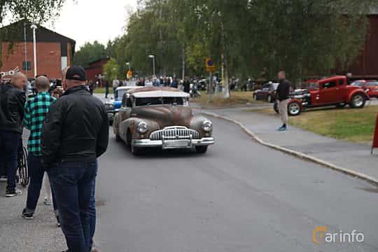 Front/Side  of Buick Super Sedan 4.1 Manual, 112ps, 1946 at Onsdagsträffar på Gammlia Umeå 2019 vecka 32