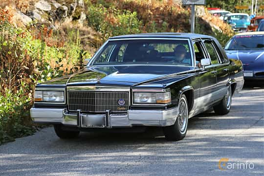 Front/Side  of Cadillac Brougham 5.0 V8 Automatic, 142ps, 1989 at Grensetreff Halden 2018
