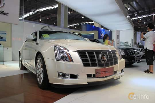 Front/Side  of Cadillac CTS Coupé 2011