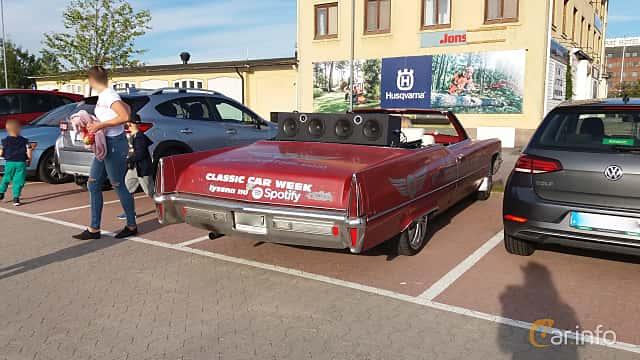 Back/Side of Cadillac De Ville Convertible 7.7 V8 OHV Hydra-Matic, 381ps, 1970 at Nostalgidagarna Härnösand 2019