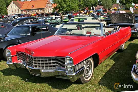 Front/Side  of Cadillac De Ville Convertible 7.0 V8 OHV Hydra-Matic, 345ps, 1965 at Hässleholm Power Start of Summer Meet 2016