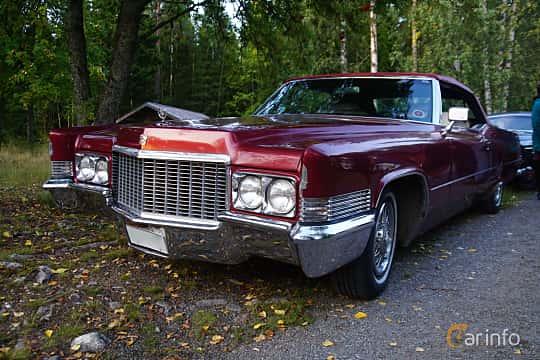 Front/Side  of Cadillac De Ville Convertible 7.7 V8 OHV Hydra-Matic, 381ps, 1970 at Onsdagsträffar på Gammlia Umeå 2019 vecka 35