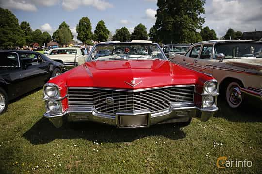 Side  of Cadillac De Ville Convertible 7.0 V8 OHV Hydra-Matic, 345ps, 1965 at Hässleholm Power Start of Summer Meet 2016