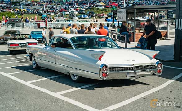 Back/Side of Cadillac Coupé de Ville 6.4 V8 OHV Hydra-Matic, 330ps, 1960 at Stockholm Vintage & Sports Car meet 2019